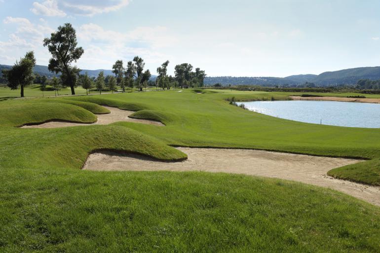 Pozvánka na 1. turnaj Realitního golfu. Již příští čtvrtek 8.6. na Zbraslavi