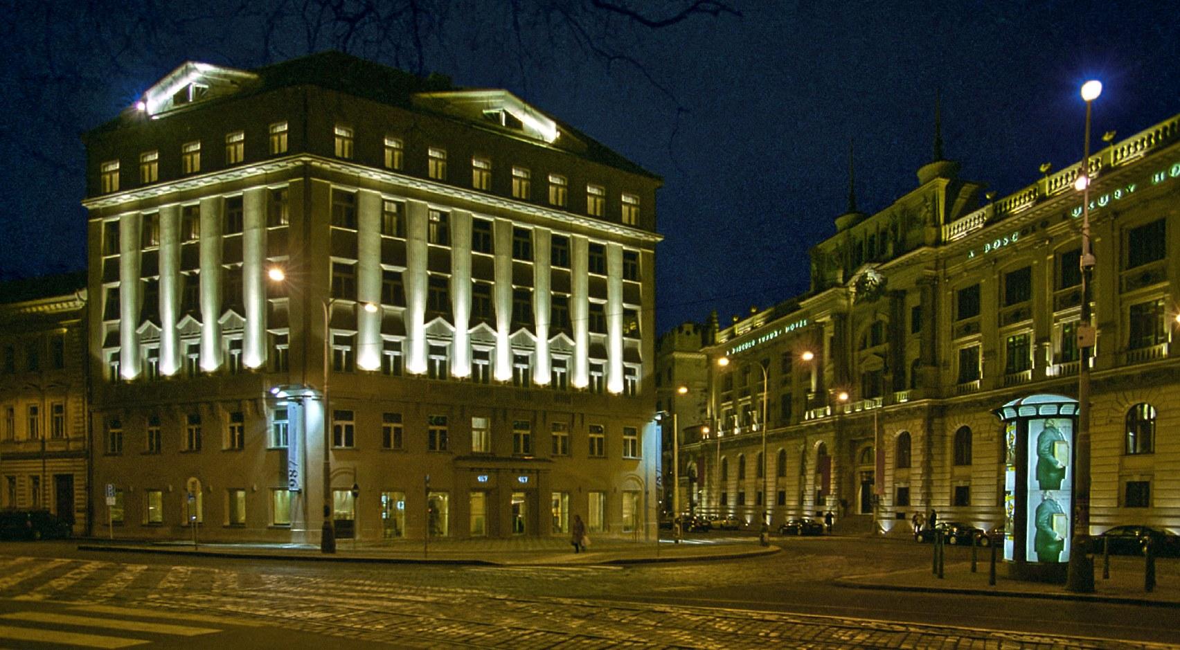 987 prague hotel praha for Design hotel praga
