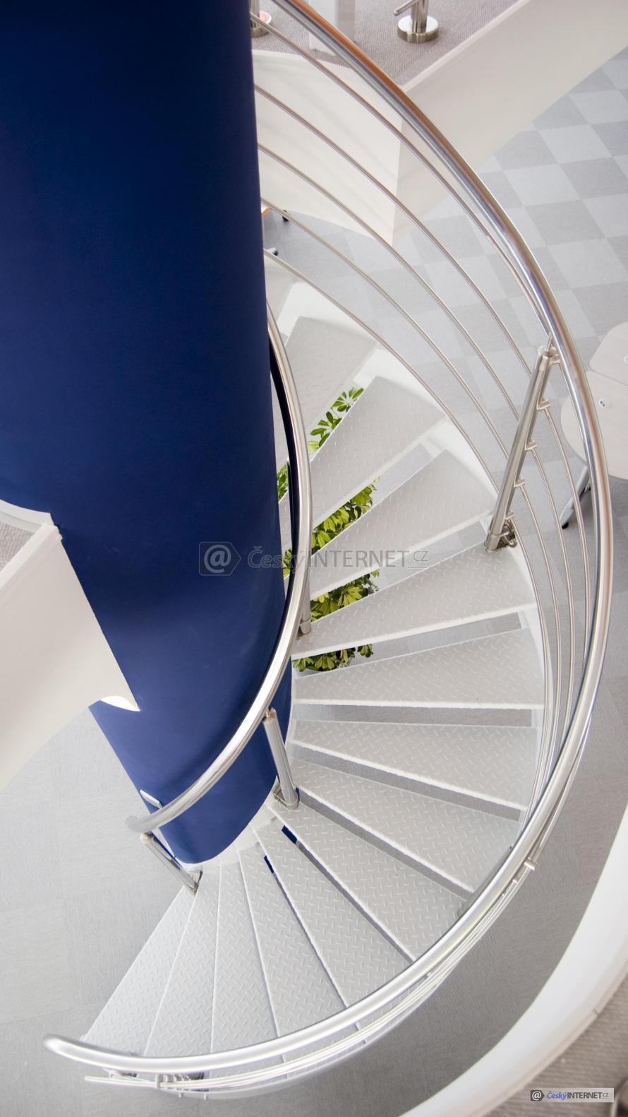 Moderní schodiště.