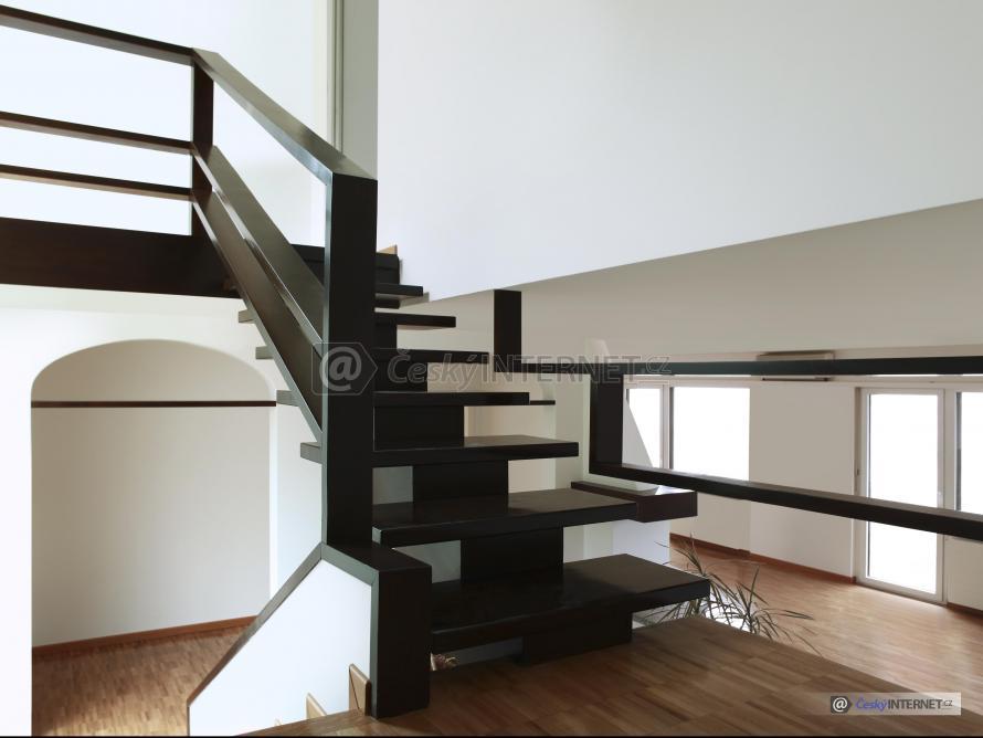 Interierové schodiště.