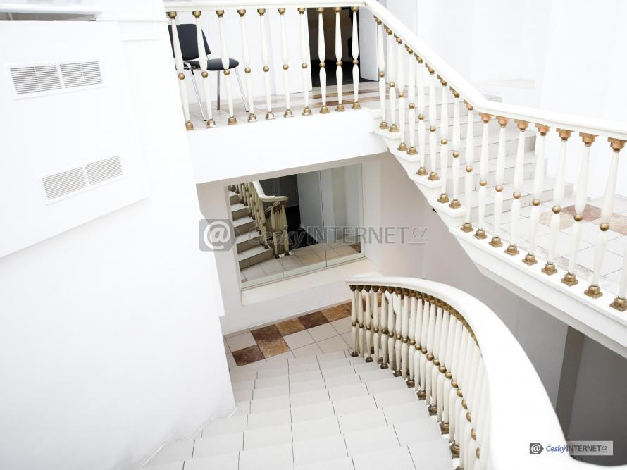 Moderní interierovíé schodiště