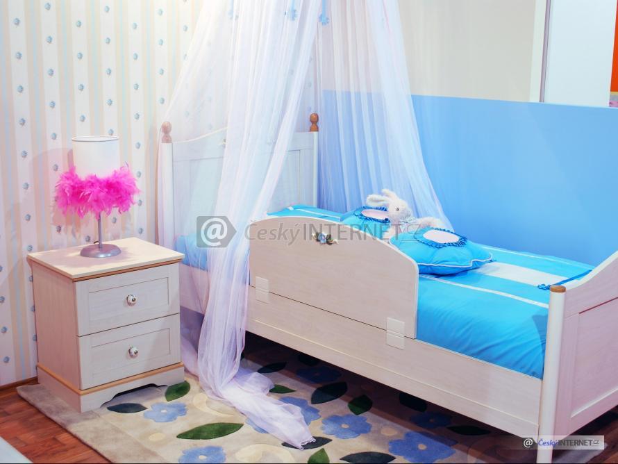 Dětská postel.