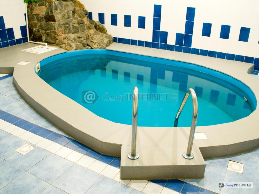 Interierový bazén.