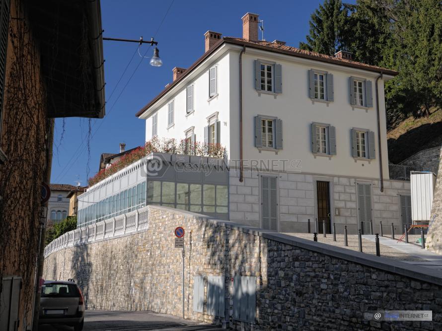 Starší dům v historické části města.