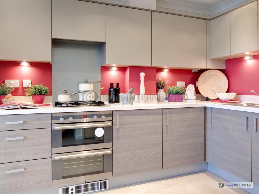 Detail moderní kuchyně.