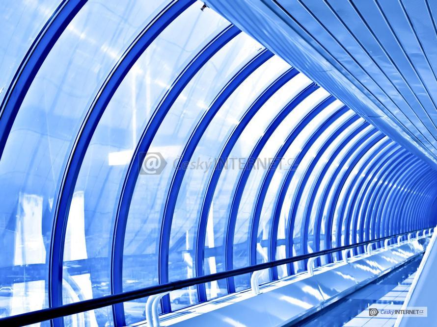 Prosklený tunel.