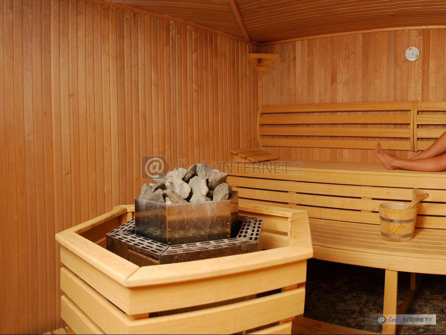 Dívky v sauně.
