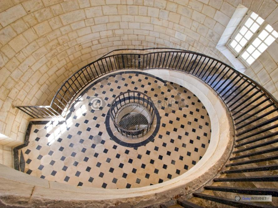 Historické spirálovité schodiště.